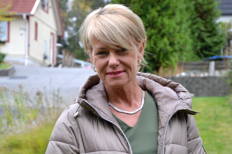 Nadja Öström, ordförande i Sköldkörtelföreningen. Tema: Hypotyreos, Hashimoto.