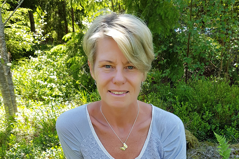 Nadja Öström hjälper dig med sköldkörtelproblem, Hypotyreos, Hashimoto inom kost, näring och sköldkörtelhälsa