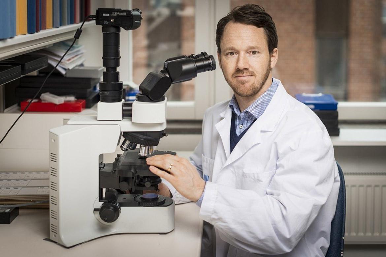 Bröstcancer sprider sig i kroppen enligt specifika mönster. Det har forskare från KI och Helsingfors universitet kartlagt i ny studie.